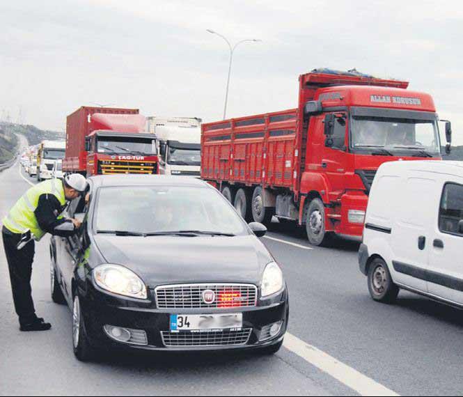 Trafikteki Sahte Makam Araçları