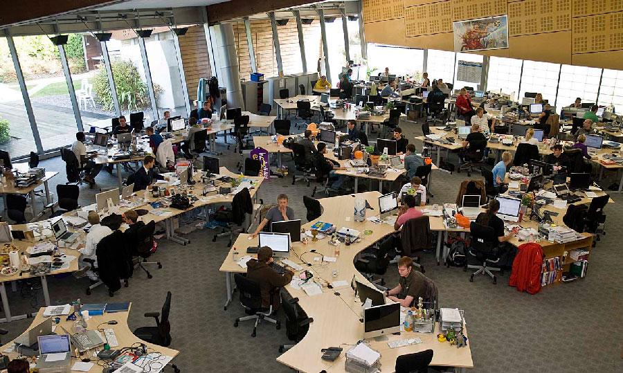 Açık Ofislerde İletişimin Zorluğu
