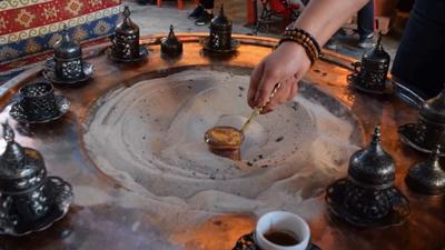 Kızgın Kumda Kahve